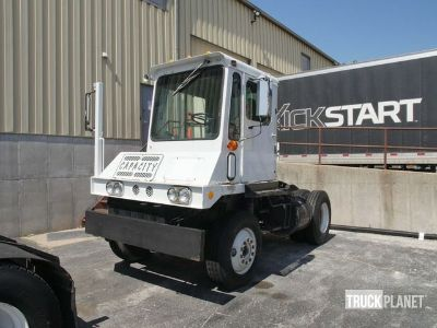 1989 (unverified) Capacity TJ4000 Spotter Truck