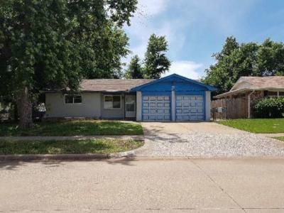3 Bed 1.5 Bath Preforeclosure Property in Mustang, OK 73064 - W Elder Dr