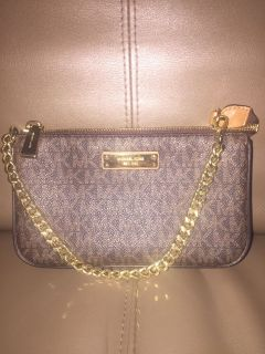 LIKE NEW! MK Shoulder Bag