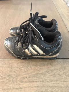 Baseball or soccer cleats size 10c