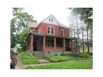 4 Bed 3 Bath Foreclosure Property in Warren, PA 16365 - 4th Ave