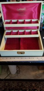 Jewelry box very old great condition