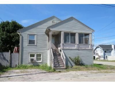4 Bed 2 Bath Foreclosure Property in Hull, MA 02045 - Revere St