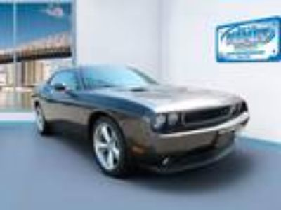 2014 Dodge Challenger 2dr Cpe R/T