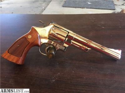 For Sale: Smith & Wesson 29-2 44 mag 6 nickel. Beautiful