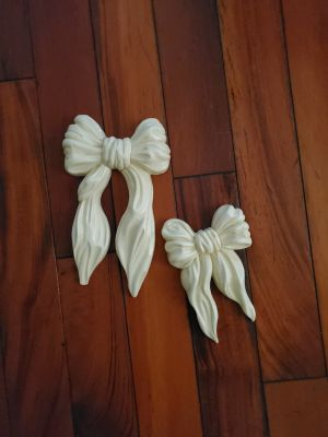 Set of 2 bows. (30 yrs old) Home Interiors