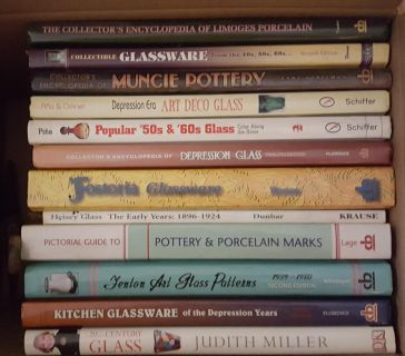 18 Vintage Glass Reference Books