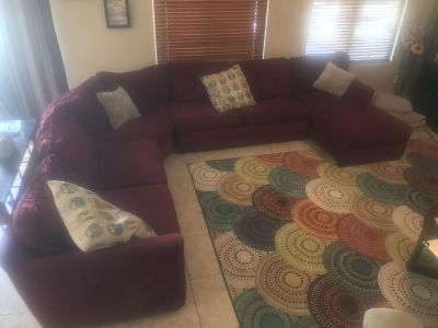 4 Piece Sectional w/ Pull out bed