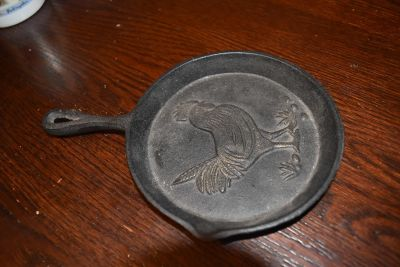 Rooster Cast Iron Skillet decor!