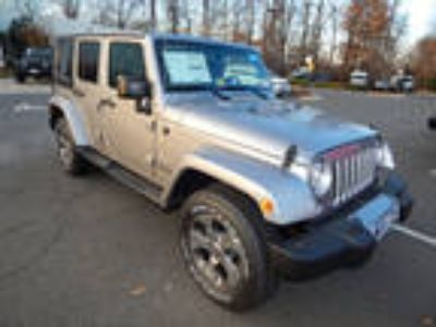 2018 Jeep Wrangler Unlimited Silver, 10 miles