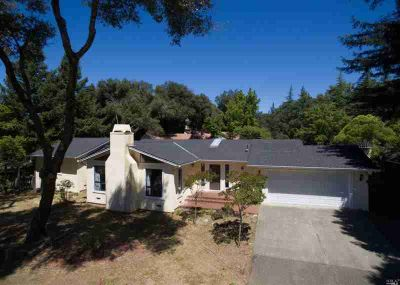 1310 Chateau Place UKIAH Four BR, This single-story Spanish
