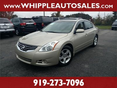 2010 Nissan Altima 2.5 (Gold)