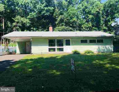 43 Overbrook Ln LEVITTOWN, Investor Opportunity