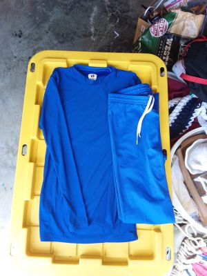 Teen boys size small athletic under shirt and pants excellent condition