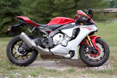 2015 Yamaha R1 (Red)