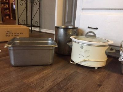 GE 3quart slow cooker and Miscellaneous pans