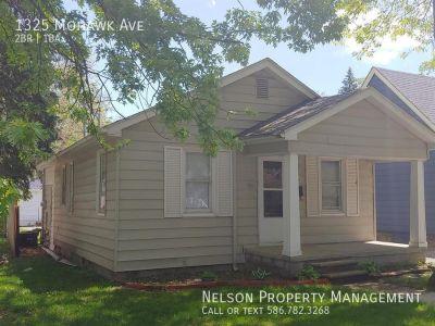 Single-family home Rental - 1325 Mohawk Ave