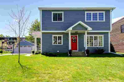 894 Lovell Avenue W ROSEVILLE Four BR, Beautiful two-story home