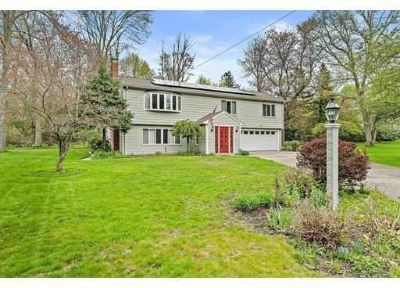 6 Longmeadow Road MEDFIELD Four BR, GENEROUS PRICE ADJUSTMENT