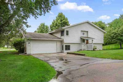 6024 Covington Terrace MINNETONKA Two BR, Updated townhouse on