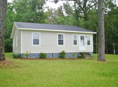 Country Charm~ 3Bed/1Bath House Available!