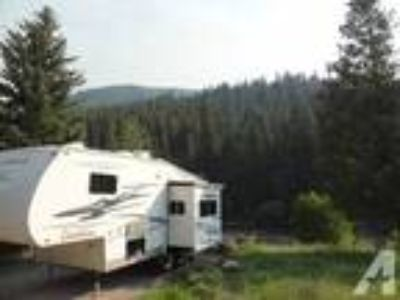 2004 Coachmen Chaparral 5th wheel 24 ft
