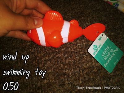 Wind up swimming fish toy NWT!