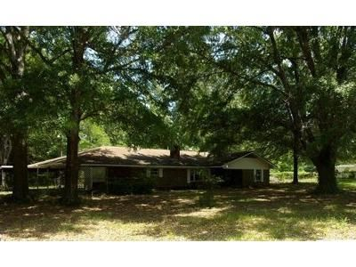 3 Bed 2 Bath Foreclosure Property in Jonesboro, LA 71251 - Firewood Rd