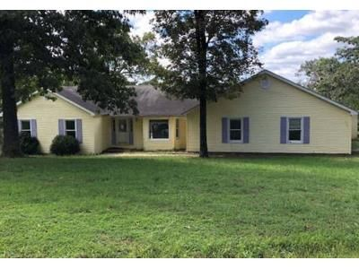 3 Bed 2 Bath Foreclosure Property in Poplar Bluff, MO 63901 - County Road 4702