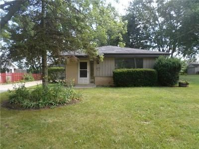 3 Bed 1.1 Bath Foreclosure Property in Milwaukee, WI 53225 - W Bobolink Ave