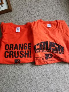 Set of 2 flyers shirts