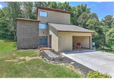 529 Brookwood Drive Bristol Five BR, Welcome home to this
