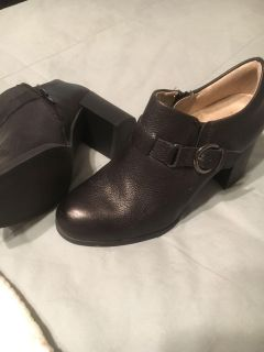 Black leather Booties size 7 Naturalizer