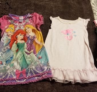 2 Gowns Size 3T