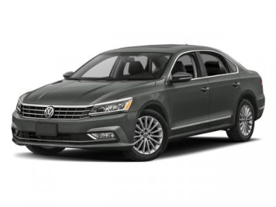 2018 Volkswagen Passat SE w/Technology (Deep Black Pearl Metallic)