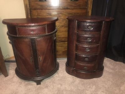 Very nice detailed accent tables