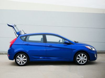 2012 Hyundai Accent GS ()