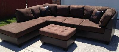 Out of Business New Sectional and Two Designer Pillows Brand New
