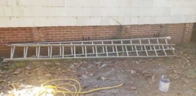 32 ft ladder Good Condition