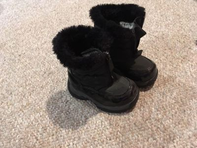 Girls toddler winter boots size 6
