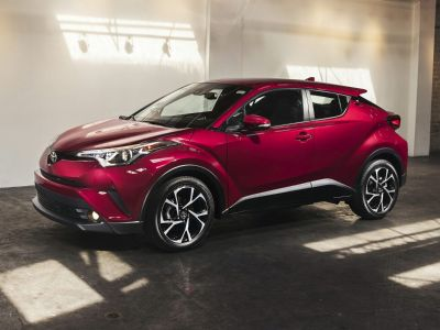 2019 Toyota C-HR XLE (Blizzard Pearl)