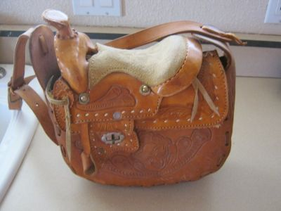 unique saddle purse