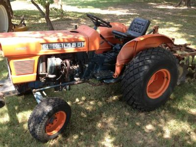 Kubota Tractor with Implements (Shreveport )