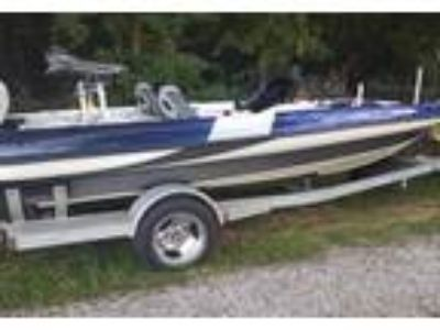 2004 Triton TR-186-Intercoastal Power Boat in Forest, MS