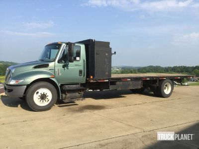 2012 International 4300 S/A Flatbed Truck