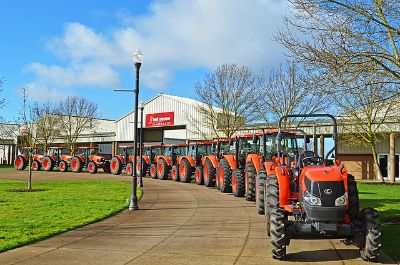 Kubota Tractor - ONLY 80 HOURS!!!