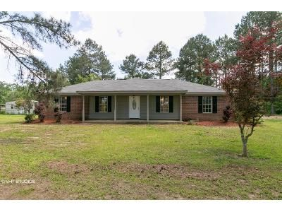 4 Bed 2 Bath Foreclosure Property in Ellisville, MS 39437 - Ovett Moselle Rd