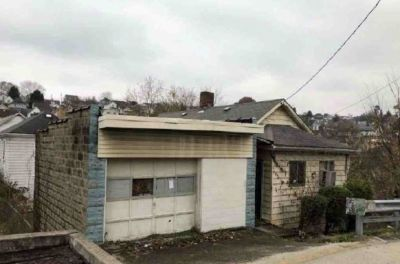 Single Family with Detached Garage Just Listed!