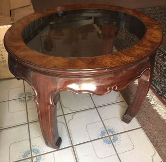 ANTIQUE OVAL END TABLE
