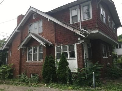 2 Bed 2 Bath Foreclosure Property in Charleston, WV 25302 - Main St